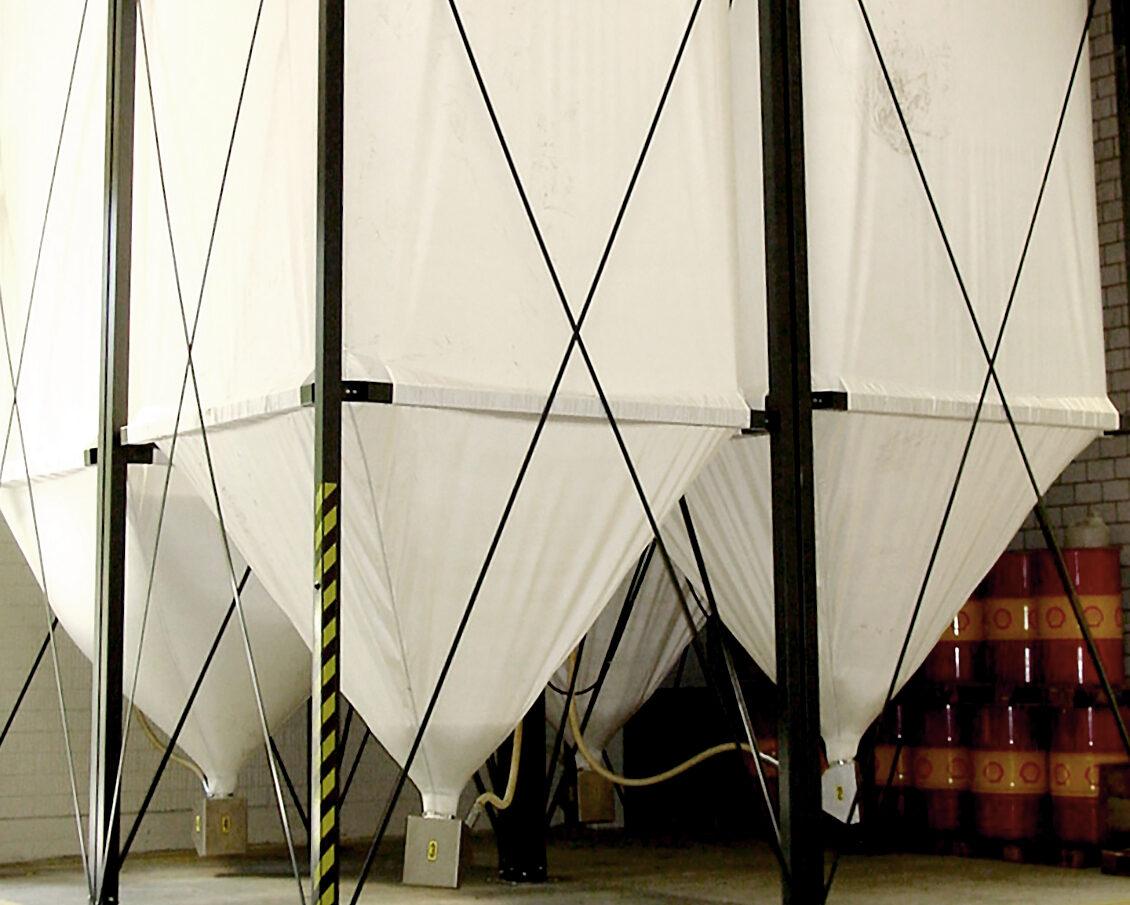 Kunststoffgranulatsilo / silos for plastic granules