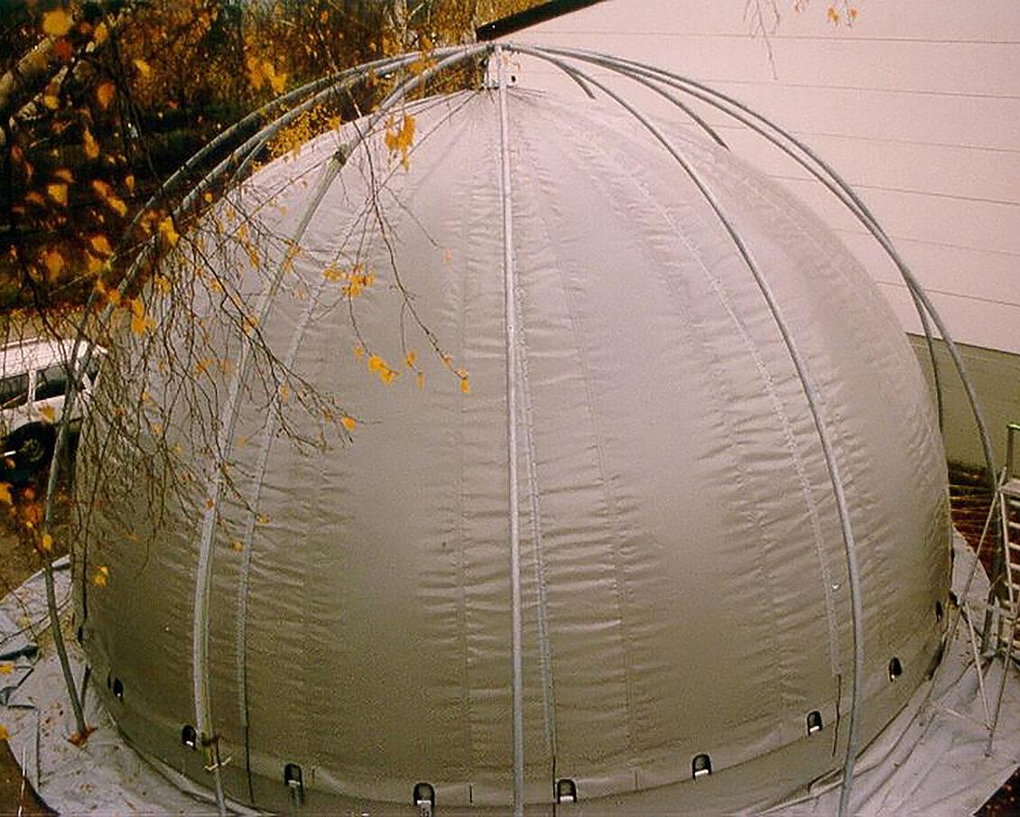Doppelmembran-Gasspeicher / Biogas plant roof