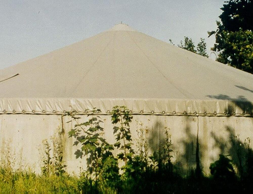Güllebeckenabdeckung / manure tank roof