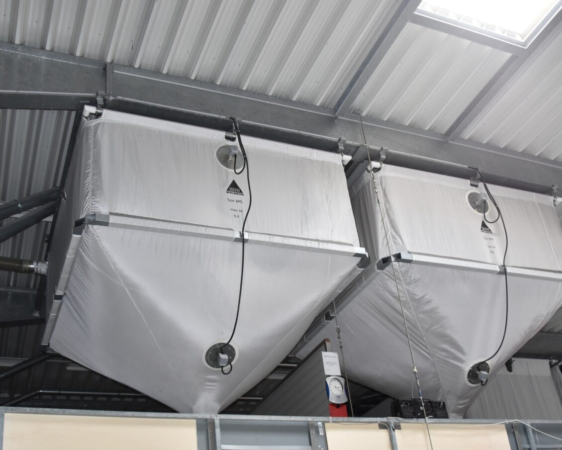 Verpackungsmaterial-Silos / silos for packing material